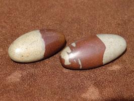 Lingam en pierres roulées