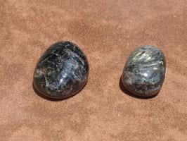 Antophyllite en pierres roulées