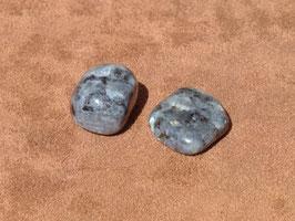 Larvikite en pierres roulées