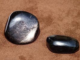 Hyperstène en pierres roulées