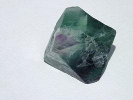 Fluorite en octaèdre brute