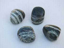 Serpentine oeil d'argent en pierres roulées