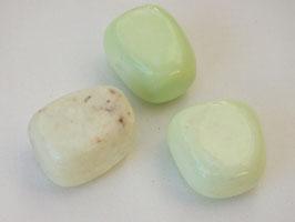 Chrysoprase citron en pierres roulées