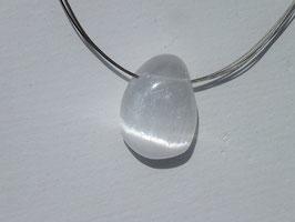 Sélénite blanche en pierres percées