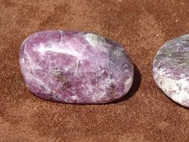 Lépidolite en pierres roulées