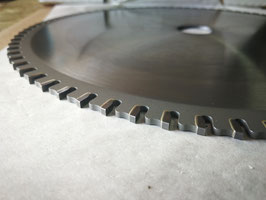 550 - N°20 TCT circular saw blades for steel and sandwich panel with corrugated steel and other ferrous materials