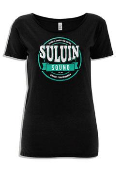 """""""Suluin Soud"""" Open-Neck"""
