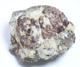 ヒマラヤ産ガーネット 191g  産地: [Haramosh,  Pakistan] サイズ:タテ3.8cm、ヨコ6.7cm、奥行き6.2cm、