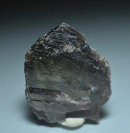SOLD  OUT     アキシナイト17g[Axinite] サイズ: タテ4.4cm、ヨコ3.5cm、奥行き0.6cm産地:パキスタン・バロチスタン・ Balochistan , Pakistan)