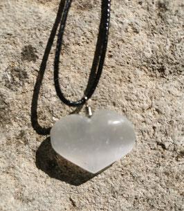 Collier en pierre naturelle: Cœur en Sélénite