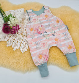 "Baby Strampler ""Flowers"" Größe 56/62"