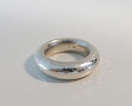 Silberring  925 mit gehämmerter Oberfläche