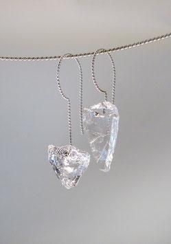 Ohrhänger in Silber 925 aus Kugeldraht mit je einem Glassplitter