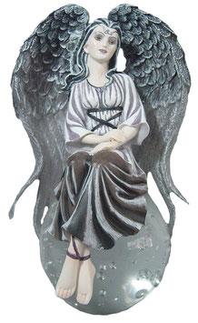 Engel auf Glaskugel