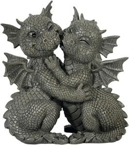Garten-Drachenpaar küssen sich