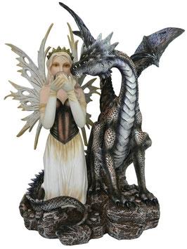 Elfe mit Drachen