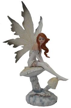 Amy Brown - Winter Elfe auf Pilz