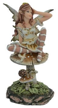 Elfe auf Pilz