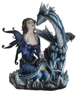 Elfe blau sitzend mit Drachen