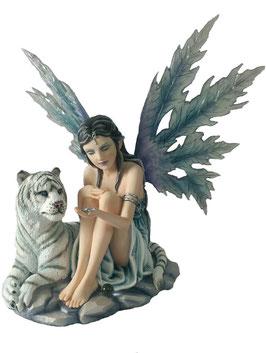 Elfe sitzend mit Tiger
