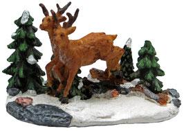 Miniatur Hirsch im Wald
