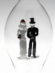 Karaffe mit farbigem Hochzeitspaar Inhalt 0,5 Liter, Höhe ca. 300 mm