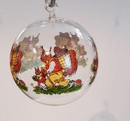 Glaskugel zum hängen, Klarglas mit farbige Eichhörnchen mundgeblasen, Durchmesser 8 cm