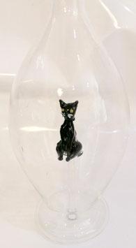 Karaffe 0,5 L. mit farbige Katze im Inneren, mundgeblasen Höhe ca. 300 mm, Inhalt 0,5 Liter