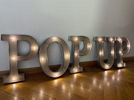 POP UP Store Deko Buchstaben Leuchtschrift Shop Beschriftung Laden LED Zeichen Schaufenster Montärä Schweiz