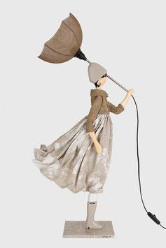"Skitso Design Figurenlampe Schirmlampe Puppe Figur mit Lampenschirm Figurenleuchte ""Touli"""