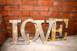 LOVE LED Marqueesigns Leuchtsignets Buchstaben Holzbuchstaben Metall Letters Hochzeit Heirat Deko Dekoration Schilder