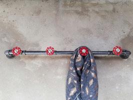 Vintage Garderobenstange mit 4 Industrie Wasserhahn Drehgriffen im Retro Stil