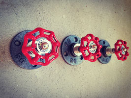 Vintage Wandhaken als Retro Wasserhahn Griff Rot Dreher Rad Kleiderhaken Nostalgie Drehgriff