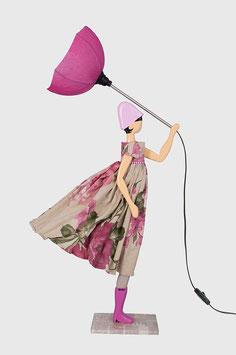 """Design Stehlampe Leuchte als Figur mit Schirm und Kleid """"Ortanse"""""""
