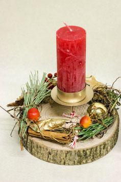 Kerze auf Holz