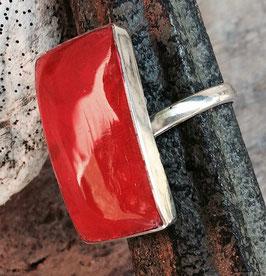 Silberring mit rechteckigem Stein