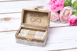 Wedding Ring Box Infinity on the lid