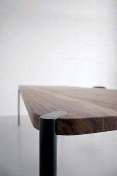 Tisch DANSKE Massivholz Nussbaum