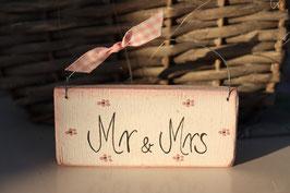 """Holzschild """"Mr & Mrs"""" in verschiedenen Varianten"""