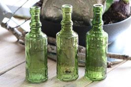 kleine grüne Flaschenvasen