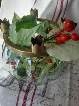 Vase mit vier Kerzenhaltern