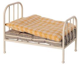 Vintage Bed (Vorbestellung/Lieferung ab Mitte Oktober 2020)