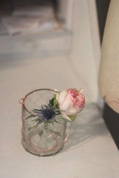 Glas mit Draht und Henkel