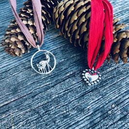 Silberanhänger mit Seidenbänder *festiv*