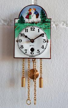 Miniatur Wintermantel-Uhr Sujet Meitli & Bueb