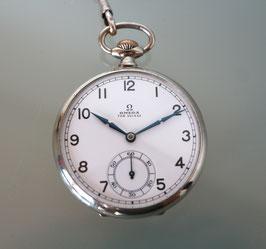 Omega Taschenuhr mit Etui und Kette, Nickel, ca. 40er Jahre