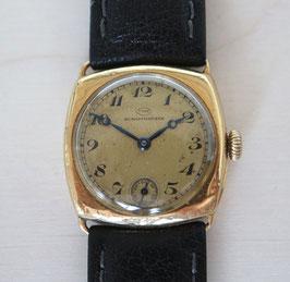 IWC Damen Armbanduhr Gelbgold 18 Karat, spezielle Kissen-Form, 1930er-Jahre