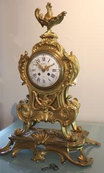 Grosse und prunkvolle franz. Kamin-Uhr Marbezy Rodez - feuervergoldet -  antik, 19. Jahrhundert