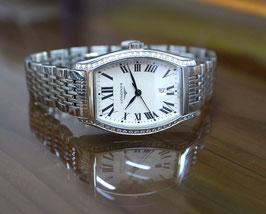 Longines Evidenza Ladies in Quartz, mit Diamant-Lünette, Stahl