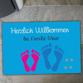 """Fußmatte """"Fußabdrücke"""" mit 2 Familienmitgliedern (optional mit Pfoten)"""